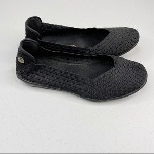 Bernie Mev Catwalk Black Round Toe Flats Slip On
